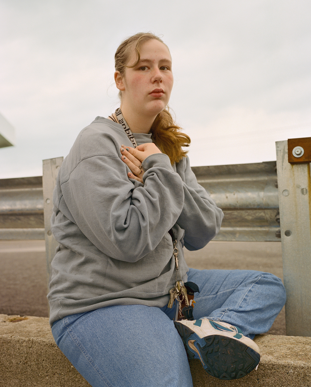 © Jo Ann Walters, Pregnant girl on guardrail, Vermont 2001